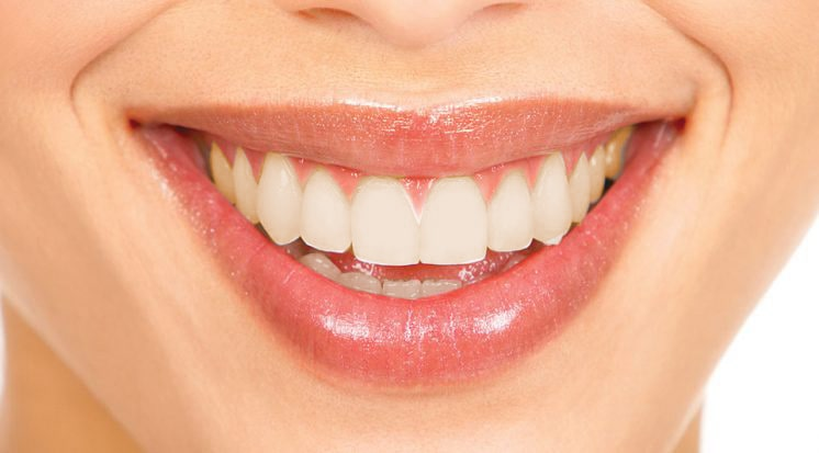 Clareamento Dental em Curitiba: Sorriso Amarelado